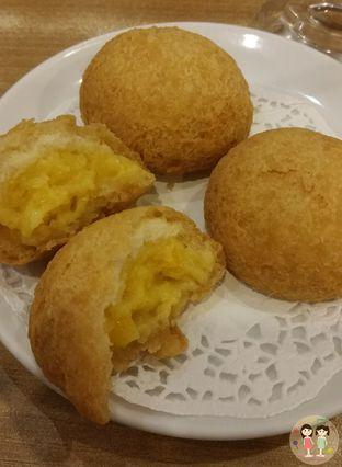 Foto 5 - Makanan(Bakpao goreng isi krim jagung) di Imperial Kitchen & Dimsum oleh Jenny (@cici.adek.kuliner)