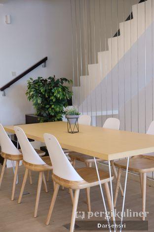Foto 6 - Interior di Aiko Coffee oleh Darsehsri Handayani