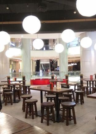 Foto 2 - Interior di Donburi Ichiya oleh @makansamaoki