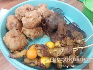 Foto 1 - Makanan di Soto Madura Bpk H. Ngatidjo oleh Deasy Lim