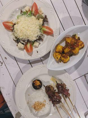 Foto 2 - Makanan di Warlaman oleh @qluvfood