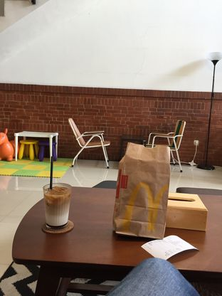 Foto 2 - Makanan di Morethana Minilib & Coffee oleh Yohanacandra (@kulinerkapandiet)