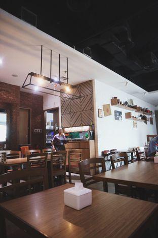 Foto 4 - Interior di Kedai Tjap Semarang oleh catchdmoon
