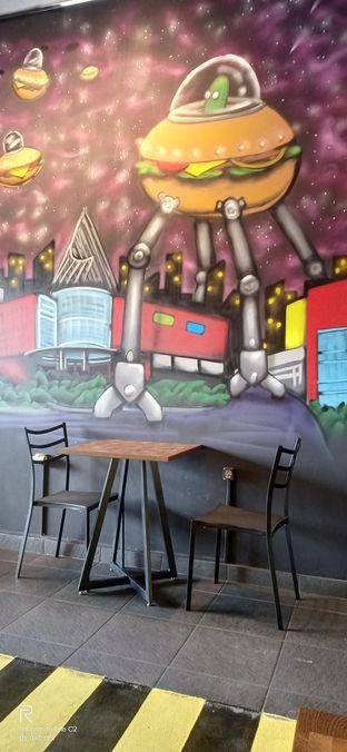 Foto 8 - Interior di FIX Burger oleh Inno vhieya