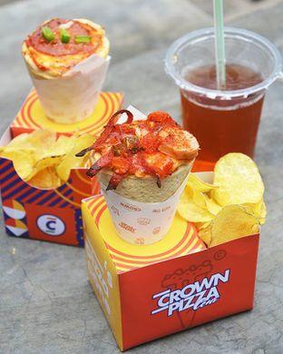 Foto - Makanan(Pepperoni Pizza) di Crown Pizza Cone oleh Desanggi  Ritzky Aditya