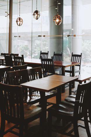 Foto 8 - Interior di Caribou Coffee oleh Indra Mulia
