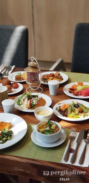 Foto 4 - Makanan di Catappa Restaurant - Hotel Grand Mercure Kemayoran oleh @teddyzelig