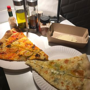 Foto 5 - Makanan di Sliced Pizzeria oleh Pengembara Rasa