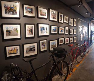 Foto 5 - Interior di Wdnsdy Cafe oleh Rizky Sugianto