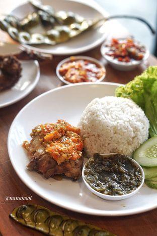 Foto 2 - Makanan di Sambal Khas Karmila oleh Nanakoot