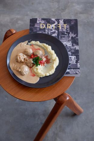 Foto 1 - Makanan di Routine Coffee & Eatery oleh yudistira ishak abrar