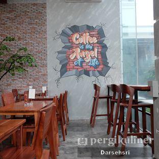 Foto 6 - Interior di Poach'd Brunch & Coffee House oleh Darsehsri Handayani