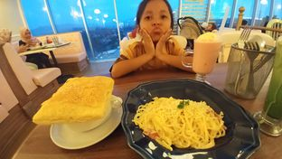 Foto 2 - Makanan(Zoupa soup, spaghetti carbonara) di Giggle Box oleh Cooventia Family