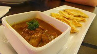 Foto 8 - Makanan(Malaysia Curry with Roti Pratha) di High Grounds oleh Komentator Isenk