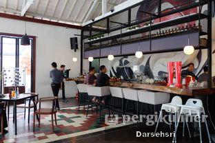 Foto 7 - Interior di Saka Bistro & Bar oleh Darsehsri Handayani