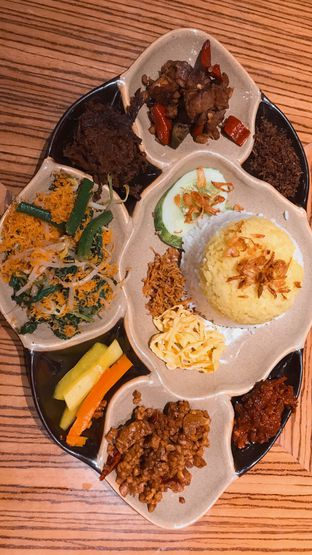 Foto 2 - Makanan(Nasi Berkat (47k)) di Remboelan oleh Riris Hilda