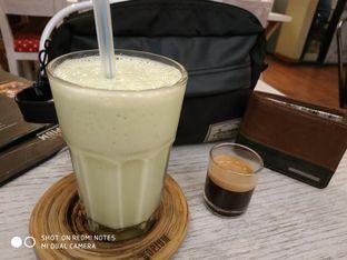 Foto 1 - Makanan(Avocado espresso frappucino) di Kopium Artisan Coffee oleh Gabriel Yudha | IG:gabrielyudha