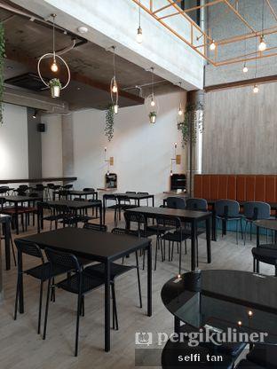 Foto 3 - Interior di 8th Bean Cafe oleh Selfi Tan