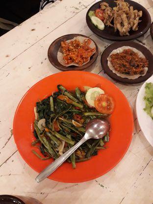 Foto 4 - Makanan(Cah kangkung) di Penyetan Cok oleh Ayu  Esta