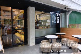 Foto 10 - Interior di Doma Dona Coffee oleh Darsehsri Handayani