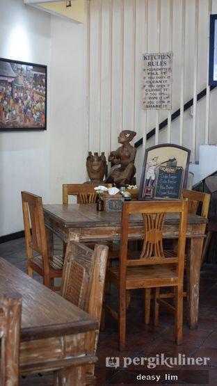 Foto 10 - Interior di Waroeng Kelapa oleh Deasy Lim