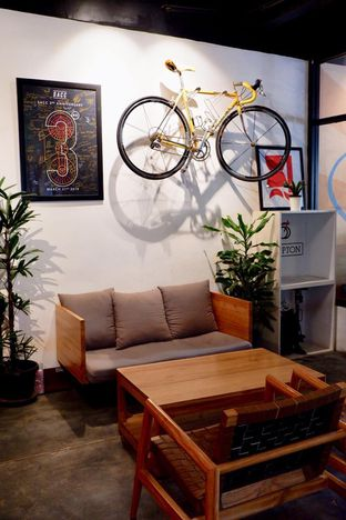 Foto 10 - Interior di Kayuh Clubhouse oleh yudistira ishak abrar