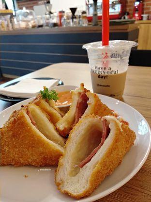 Foto 4 - Makanan di Bruins Coffee oleh abigail lin