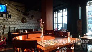 Foto 4 - Interior di AGBELIN Bistro & Cafe oleh AndaraNila