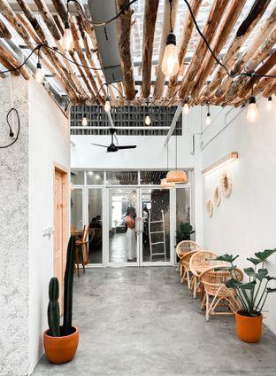 Foto 7 - Interior di Lanell Coffee oleh houseofoodies