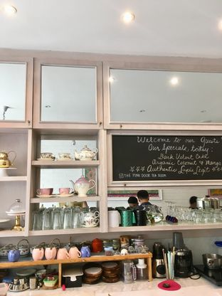 Foto review The Pink Door Tea Room oleh Prido ZH 12