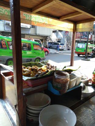 Foto 4 - Interior di Soto Kuning Bogor Pak Yusup oleh deasy foodie