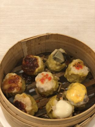 Foto 1 - Makanan(Eight Treasure Siomay) di Serba Food oleh YSfoodspottings