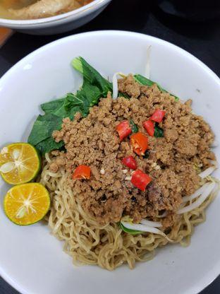 Foto 4 - Makanan di Bakmi Aliang Gg. 14 oleh eleonoraD