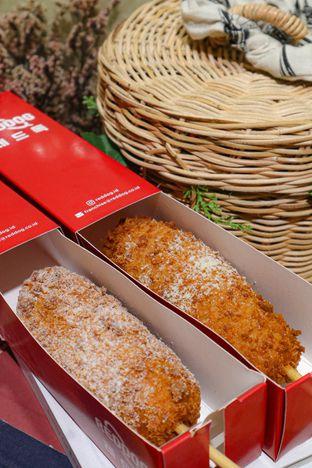 Foto 2 - Makanan di Reddog oleh thehandsofcuisine