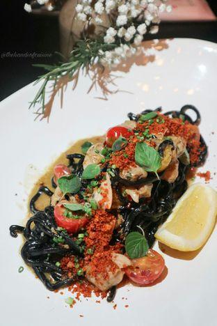 Foto 4 - Makanan di Gia Restaurant & Bar oleh thehandsofcuisine