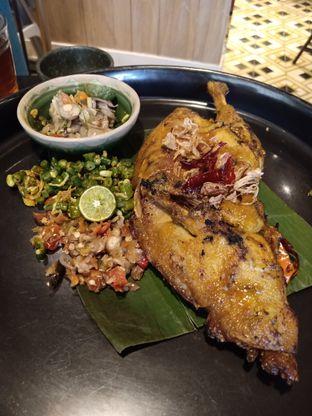 Foto 1 - Makanan(Bebek goreng ubud) di Putu Made oleh Jocelin Muliawan