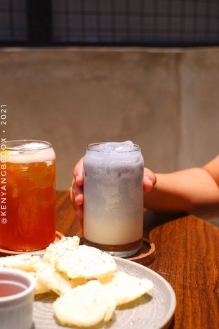 Foto review Upstairs Coffee Signature oleh Vionna & Tommy 3