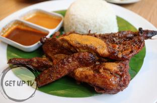 Foto 3 - Makanan di Bale Lombok oleh GetUp TV