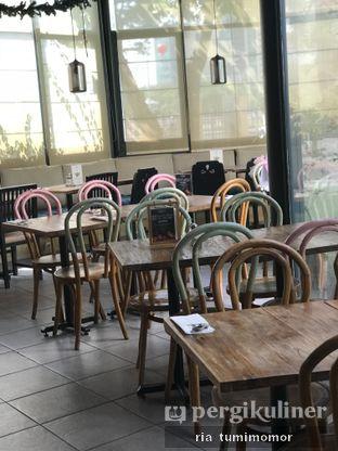 Foto 5 - Interior di Casadina Kitchen & Bakery oleh riamrt