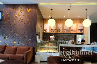 Foto 4 - Interior di Serambi Botani Kafe oleh Darsehsri Handayani