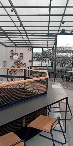 Foto 4 - Interior di New Lareine Coffee oleh Wulan Fitri Anggraeni