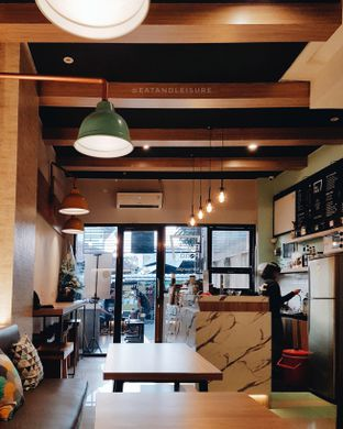 Foto 8 - Interior di Big Pond Coffee oleh Eat and Leisure