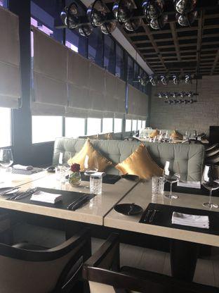 Foto 8 - Interior di Basic Instinct Culinary oleh feedthecat