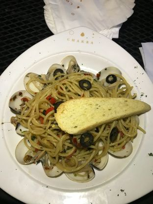 Foto 1 - Makanan(Spagetthi Al Vangole) di Chakra Venue oleh RI 347 | Rihana & Ismail