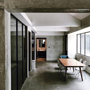 Foto 12 - Interior di Little League Coffee Bar oleh Della Ayu