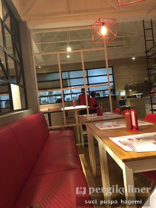 Foto 4 - Interior di Holycow! STEAKHOUSE by Chef Afit oleh Suci Puspa Hagemi