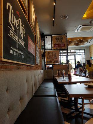 Foto 8 - Interior di Pizza Hut oleh Yuli || IG: @franzeskayuli