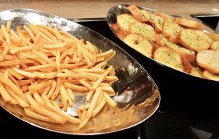 Foto 30 - Makanan di The Cafe - Hotel Mulia oleh Andrika Nadia