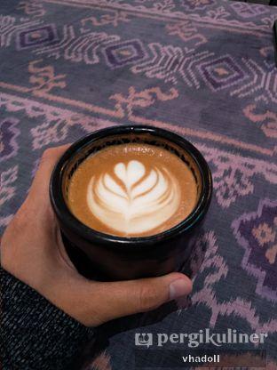 Foto 1 - Makanan(Hot Cappuccino ) di But First Coffee oleh Syifa
