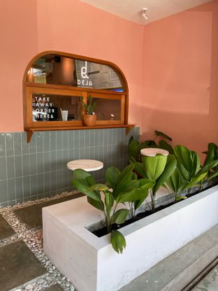 Foto 10 - Interior di Deja Coffee & Pastry oleh Jeljel